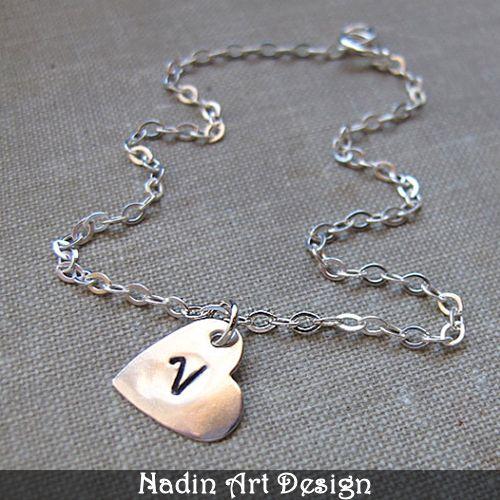 Liebe Herz-Halskette. Silber Bettelkette. Schmuck  von NadinArtDesign auf DaWanda.com