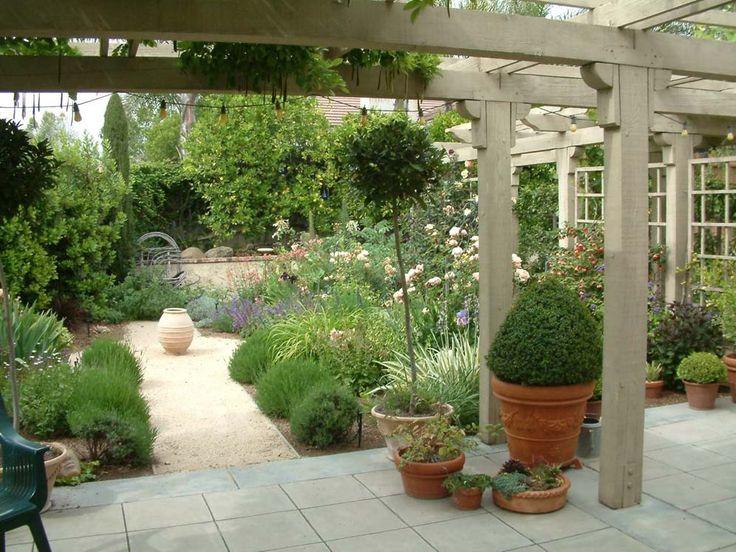 mediterranean backyard pictures | Gallery: Mediterranean Gardens