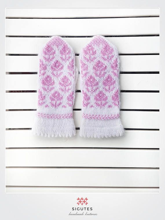 Hey, I found this really awesome Etsy listing at https://www.etsy.com/listing/560852087/hand-knitted-white-mittens-a-winter-rose