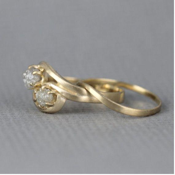 Crudo dos piedra de diamante anillo de por EngagedJewelry en Etsy
