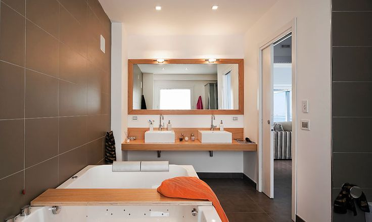Villa di lusso Afrodite (bagno con vasca idro massaggio) - Luxury villa Afrodite (wellness bathroom)