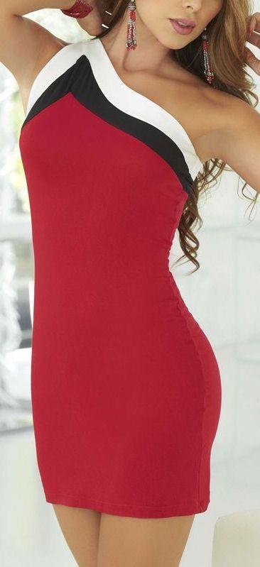 Red Bodycon Dress //