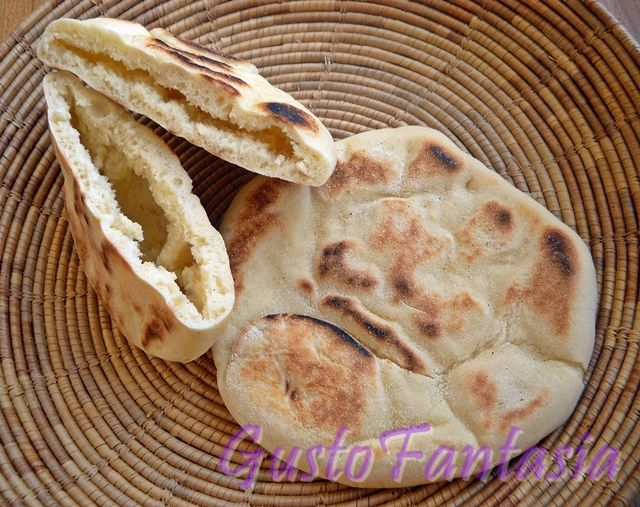 pane arabo cotto in padella