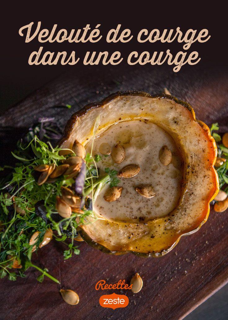 Velouté de courge dans une courge, beurre noisette et plein d'herbes - une recette de Martin Juneau sur recettes.zeste.tv