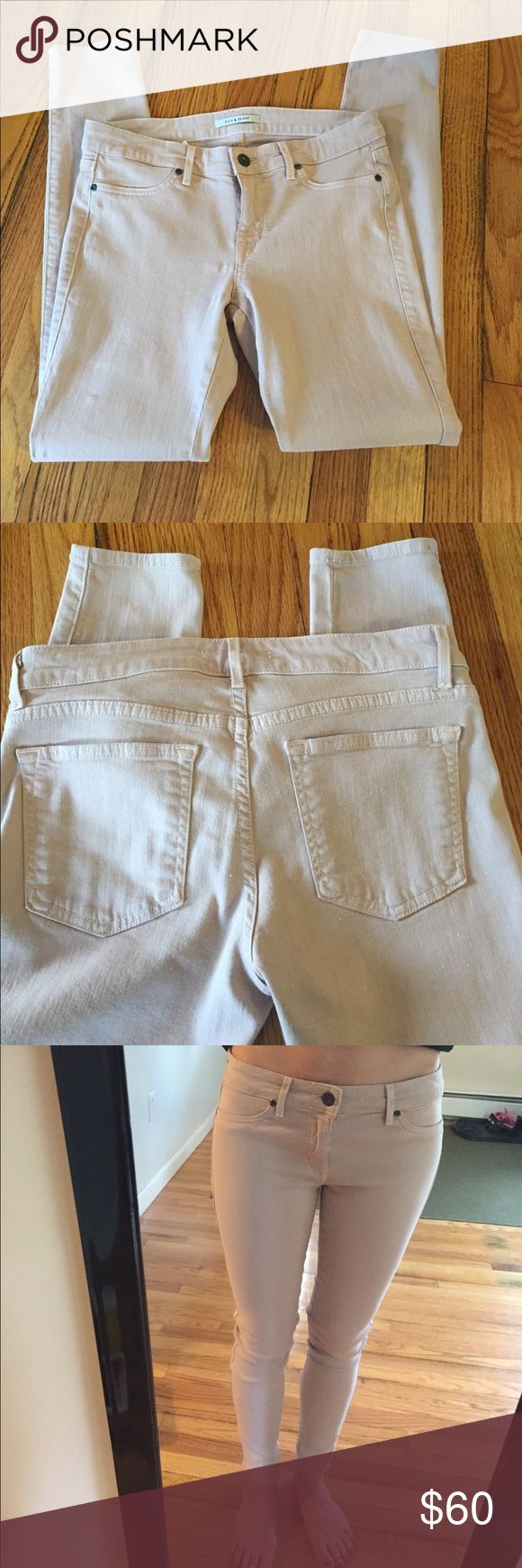 Like new sparkle Rich and Skinny jeans I love these! Tag says dry clean only and that's what I did once! These are fantastic pants! Gently worn, light tan/warm beige in color. Gold glitter finish!! Cropped/ankle and very stretchy. Rich & Skinny Jeans Ankle & Cropped