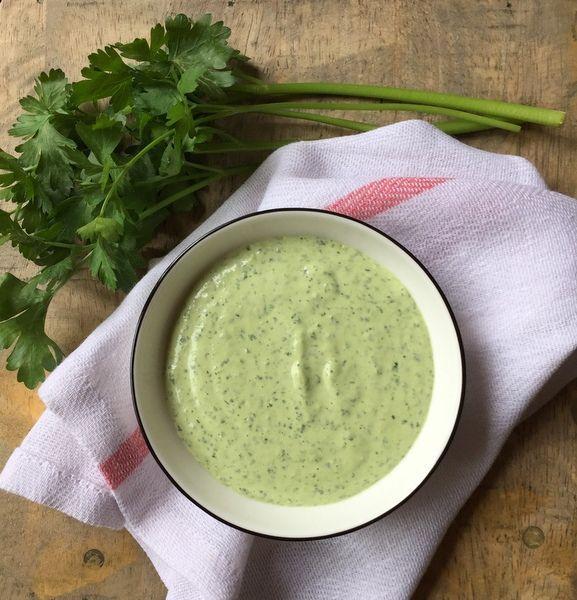 C'est moi qui l'ai fait !: Tehina verte (sauce au tahiné et aux herbes), la sauce parfaite pour vos légumes rôtis et bien plus encore