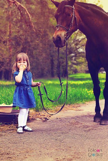 Mysia i koń ~ FotoartGrafika