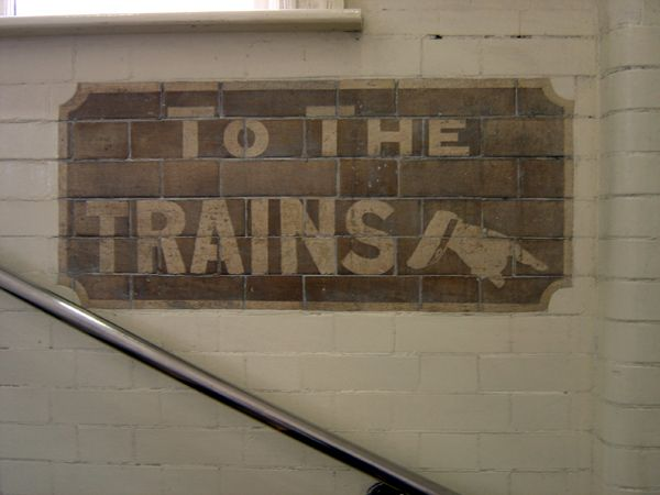Tiled sign, Stepney Green Station 2004