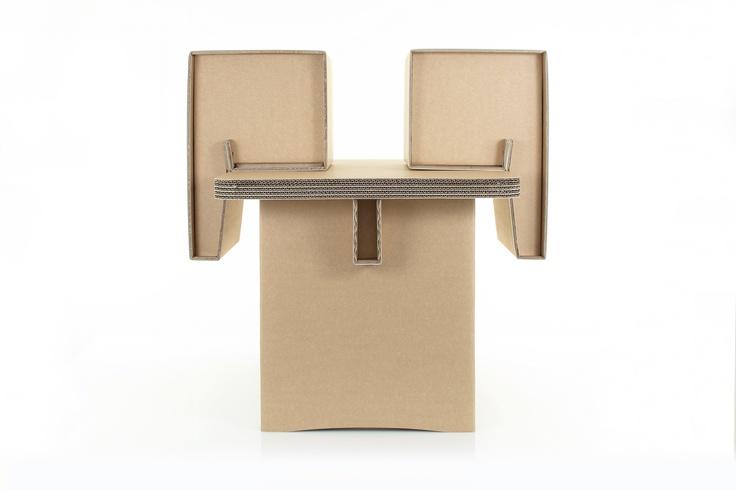 Studio Baby Plus, comodo anche per pulire.  #kshop #mobili #cartone #ecologico #sostenibile #design #arredamento #tavolo #sedia