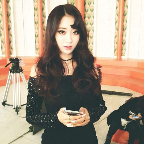 kpop korean girl group idol hairstyles nine muses kyungri comma hair for girls kpopstuff