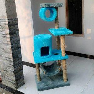 jc 14 Cat scratching/cat condo/garukan kucing/mainan kucing/cat tree/cat toy. Kode JC 14 ukuran tinggi: 135cm lebar: 55x45cm Harga Rp.2.550.000 Kami menerima pemesanan CUSTOM ( mengikuti design keinginan anda atau dari design kami ) Hubungi kami : JL: Aselih Rt:10 Rw:01 Cipedak-Ciganjur Jagakarsa Jakarta-Selatan 12630 No:72 Telp: 087882372643 (Whatsapp)-02194653190 PIN BB 24E4F059, Line: shine_art3