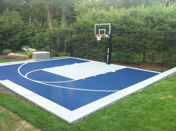 Outdoor garden lscape blue basketball court backyard Backyard basketball courts