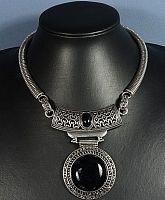 Ожерелье из черного агата