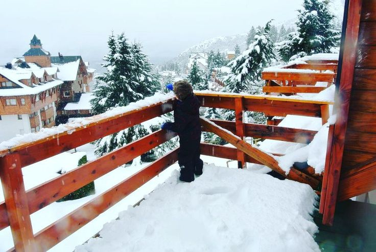 SNOW TIME ✈️❄️☃️Cabaña Club Hotel Catedral 1 Semana Septiembre @livemiami_alquileres #bariloche #snow #alquiler #enjoy #sky #snowboarding #traveler #life #weekend #winter http://quotags.net/ipost/1551752343548469702/?code=BWI7ojwliHG