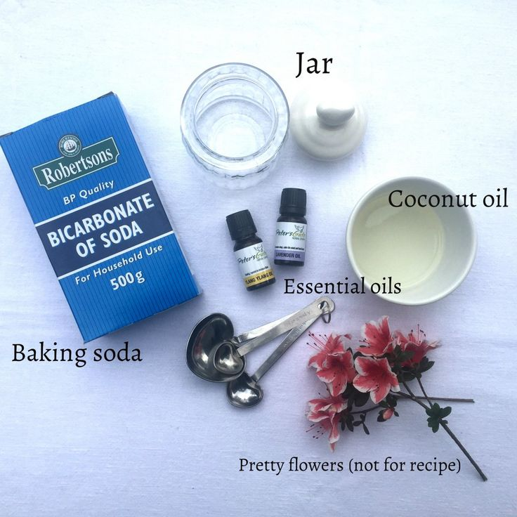 Home made face scrub recipe with baking soda, coconut oil and essential oils from www.lovewrendley.com