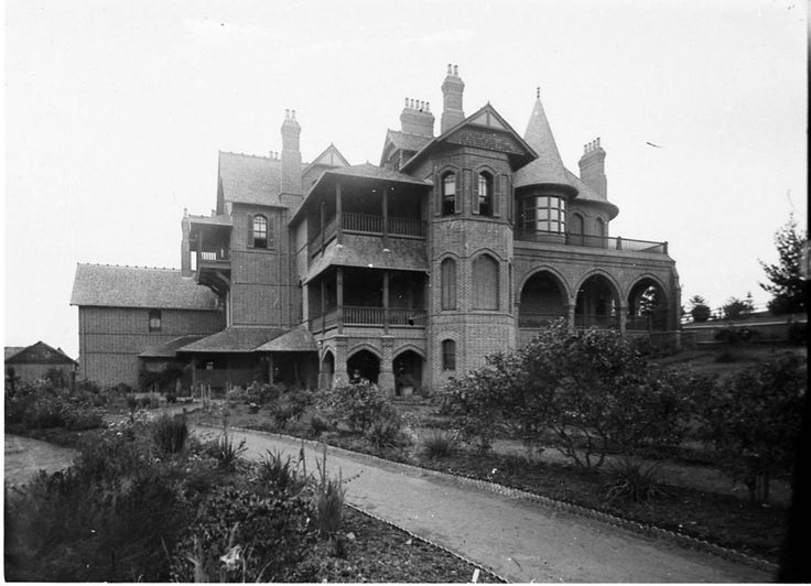 Camelot (Horbury Hunt mansion of Mrs White, owner of the racehorse Chester), Camden c1905
