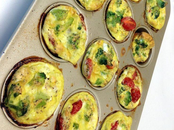 Snack Away: Crispy & Golden Oven Baked Mini Omelets - http://theperfectdiy.com/snack-away-crispy-golden-oven-baked-mini-omelets/ #foodrecipe