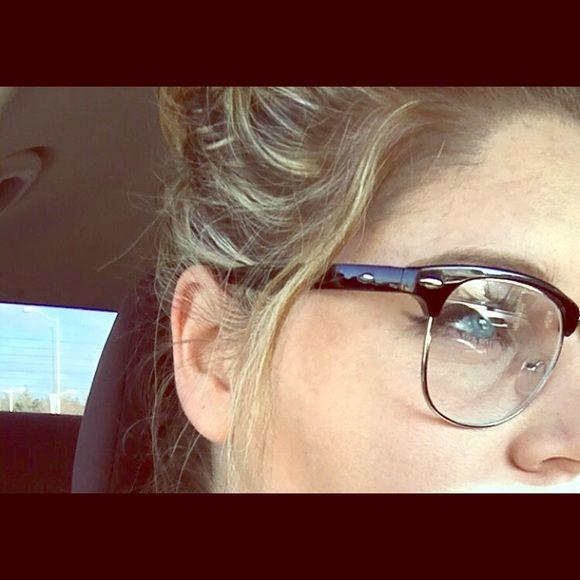 17 Best ideas about Rimless Glasses on Pinterest Retro ...