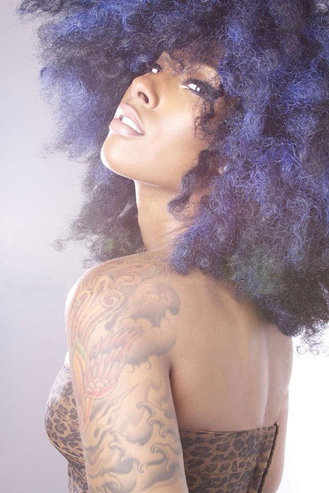 {Grow Lust Worthy Hair FASTER Naturally}>>> www.HairTriggerr.com <<<      Big Artsy Fro!