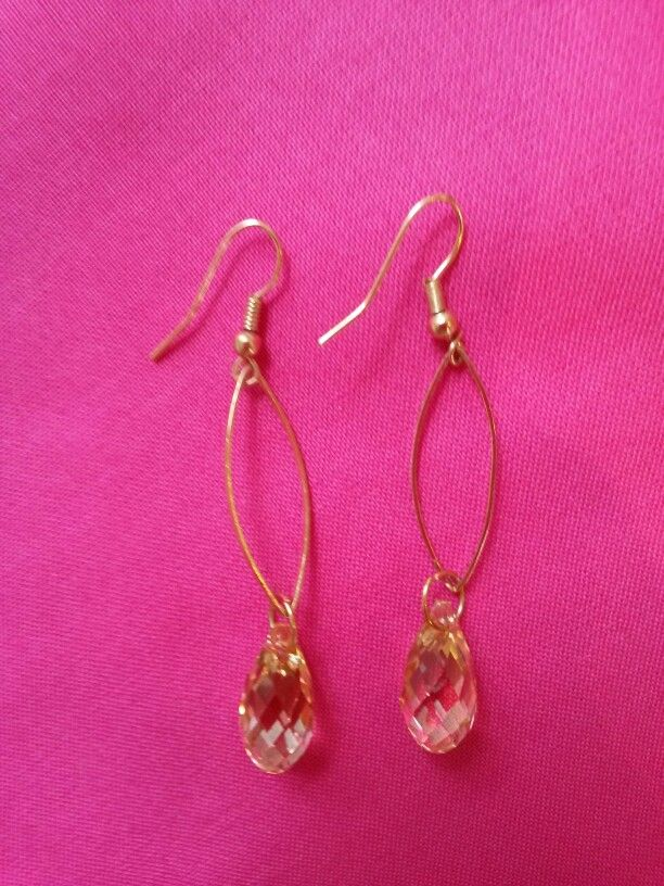 Earrings: Swarovsky Crystals and brass. Made by me☆♡☆♡☆
