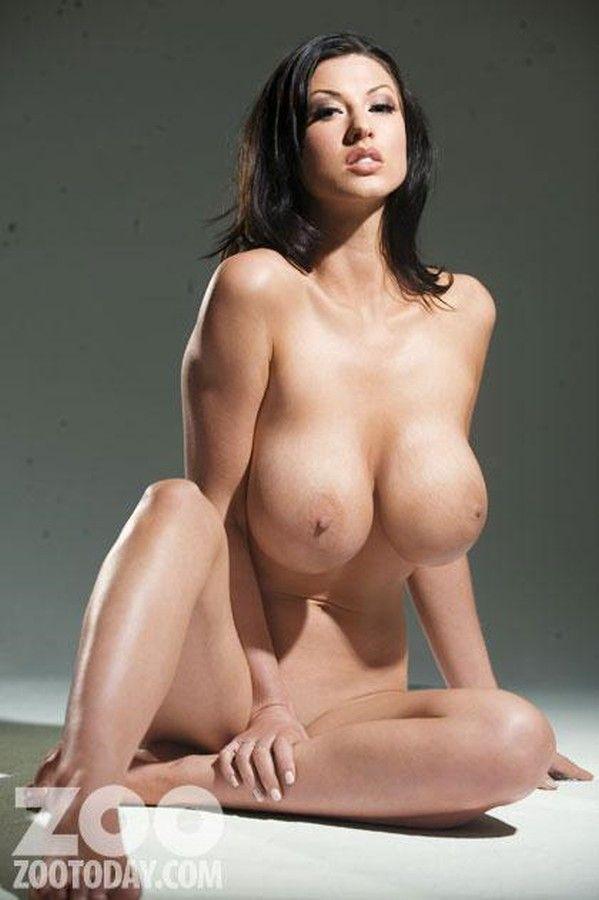 Сиськи и больший учений хороший фото голых