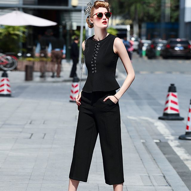 High Quality Designer Runway Pants Set 2016 Summer Women 2 Piece Clothing Set Sleeveless Tank Top and Pants Suit Clothing Sets US $61.95 Specifics Style	Casual Gender	Women Decoration	Zip Clothing Length	Regular Pattern Type	Solid Closure Type	None Material	Cotton,Polyester Dresses Length	Knee-Length Pant Closure Type	Zipper Fly Collar	O-Neck Sleeve Length	Sleeveless Brand Name	None Size	S M L Season	2016 Spring Summer NO.	D1066  Click to Buy :http://goo.gl/t9O329