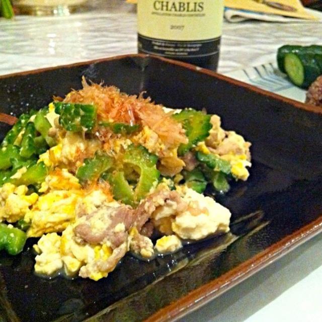 家で栽培したゴーヤで 古代黒米ニギリと健康食 - 13件のもぐもぐ - ゴーヤチャンプルとキュウリぬかみそ漬け by nekoji