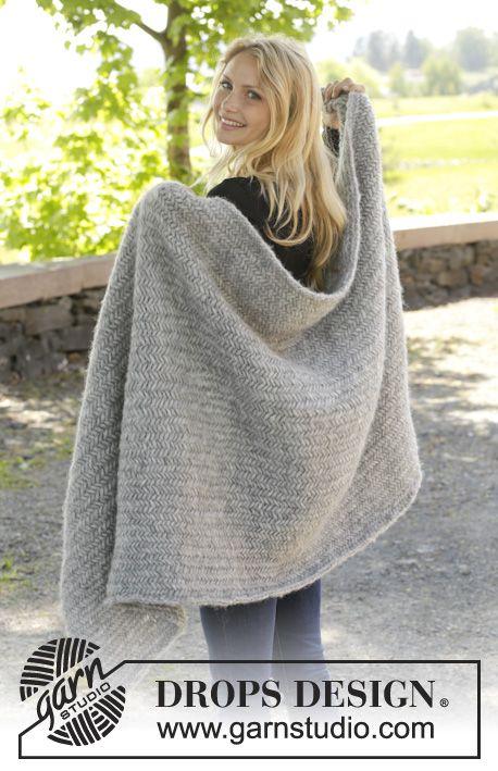 "Knitted DROPS blanket with herringbone pattern in ""Cloud"". ~ DROPS Design"
