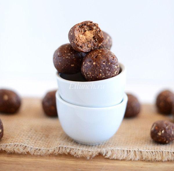 Оригинальные конфеты своими руками из арахиса с миндалем
