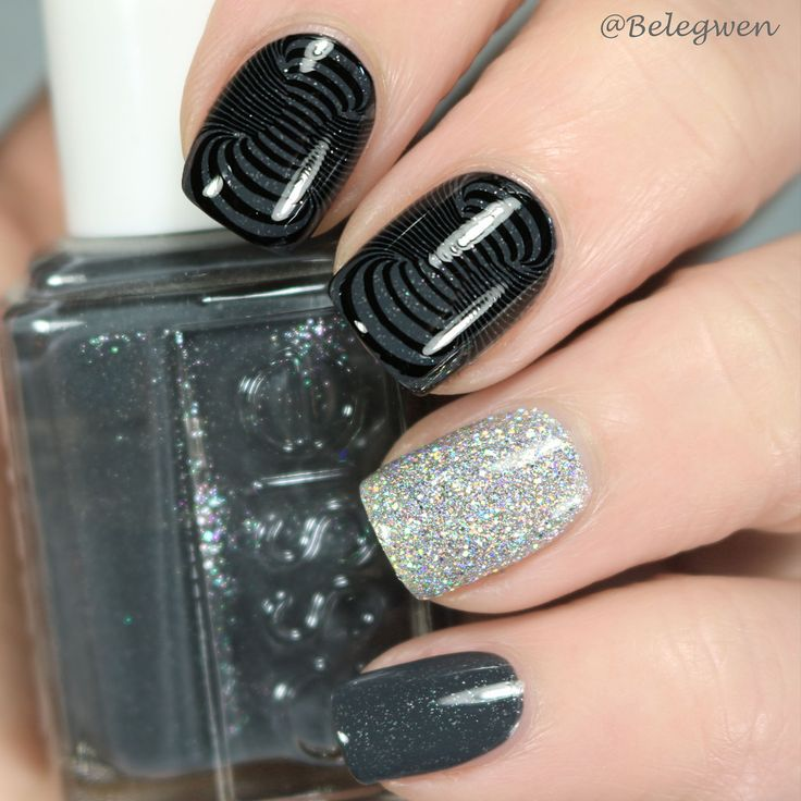 Belegwen: Essie Cashmere Bathrobe and Girly Bits Don't Tangle Your Tinsel