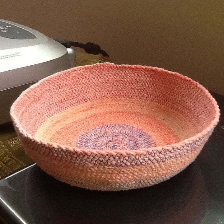 DIY rope basket, made on sewing machine. By Ellie Livermore