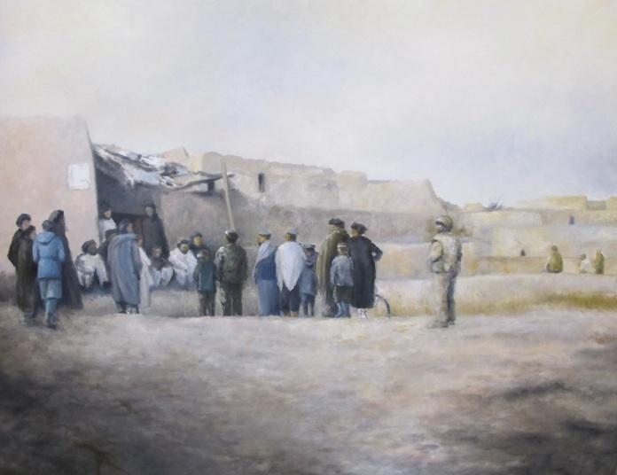 Den afghanske hær patruljerer - danskerne sikrer ved samtale med civilbefolkningen. Mathilde Fenger. Olie på lærred 2011