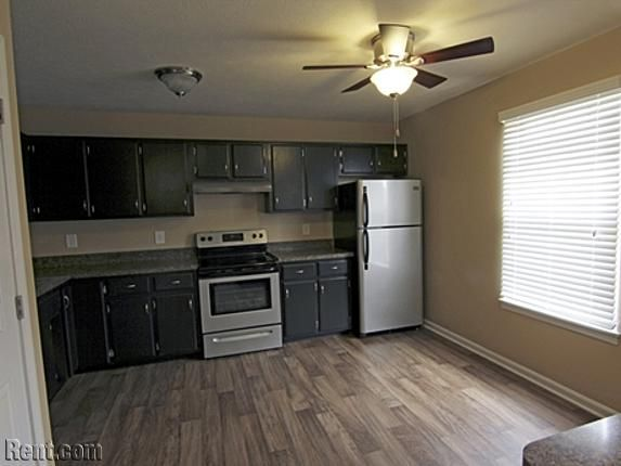 Park Place Apartments   7500 Cranfill Way  Louisville KY 40214   Rent com. 1000  id es   propos de Apartments Louisville Ky sur Pinterest