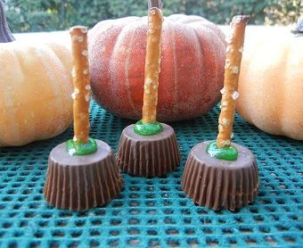 Sweet & Salty Broomsticks -   Your little witches and warlocks will love this Halloween recipe, a sweet and salty Halloween treat.