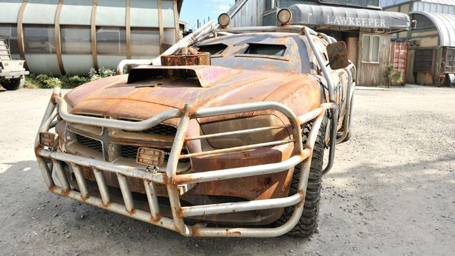defiance dodge charger, different grill guard and windshield armor. | Cars - Post Apocalyptic ...