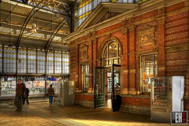 Train station 'Hollands Spoor', l Den Haag l The Hague l Dutch l The Netherlands