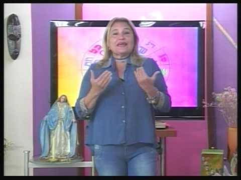 LUNA CRECIENTE EN ACUARIO. 10/10/2016.Vídeo 1