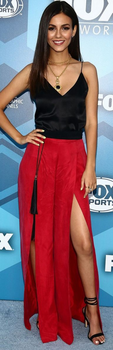 Who made Victoria Justice's red slit maxi skirt, black tank top, gold jewelry, and wrap sandals?