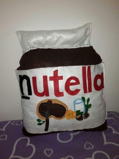 Cuscino vado di Nutella ..realizzato a mano , in pannolenci .