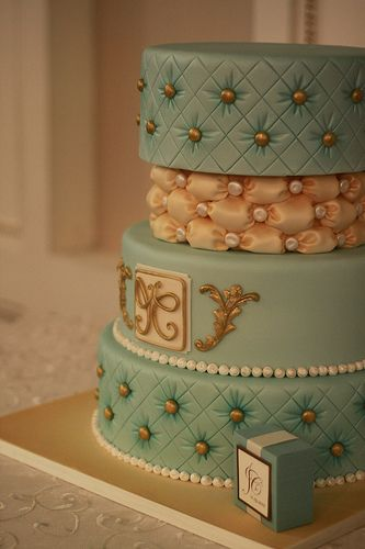 The billowing on this cake is perfect ! I LOVE THIS CAKE!