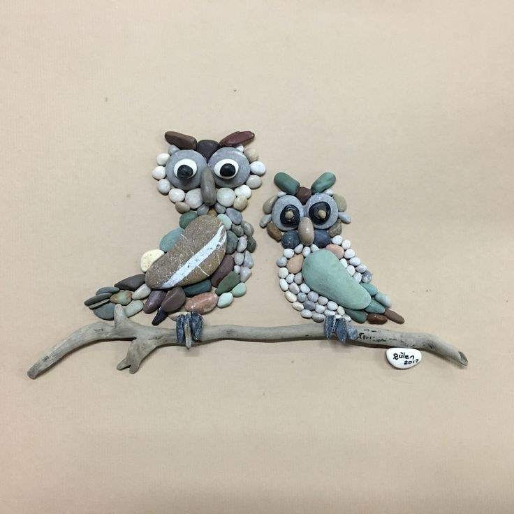 Pebble art and driftwood owl by gülen