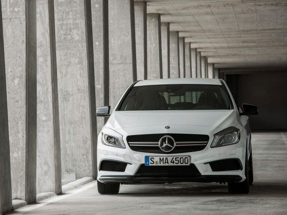 Mercedes-Benz, Mercedes Benz A 45 Amg Awesome Front Look: 2013 Mercedes-Benz a 45 in Hatchback Design