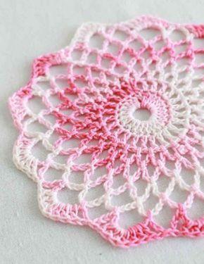Best Free Crochet »Padrão De Crochê Livre Sombreado Pinks Doily # 86