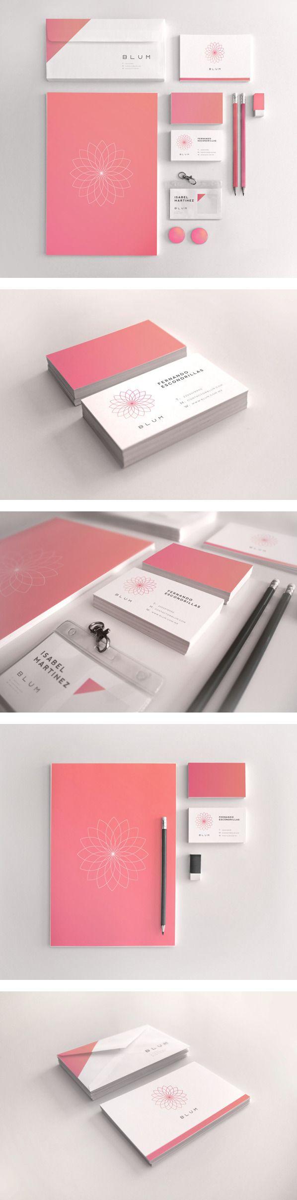 Ensemble d'identité professionnelle. En unité car le rose est très judicieusement utilisé afin de toujours avoir une touche de rose sur chaque élément.