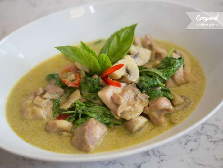 GREEN CURRY with Chef Ploy in Boston -COZYMEAL.COM