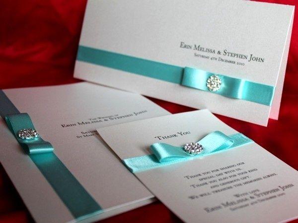 Invitaciones para bodas en azul Tiffany con cristales de Swarovsky, un toque delicado y elegante