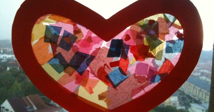 This Valentine's Day heart sun catcher craft from Sophie's Sketches is so cut and colorful. Use tissue paper to make this pretty window ...