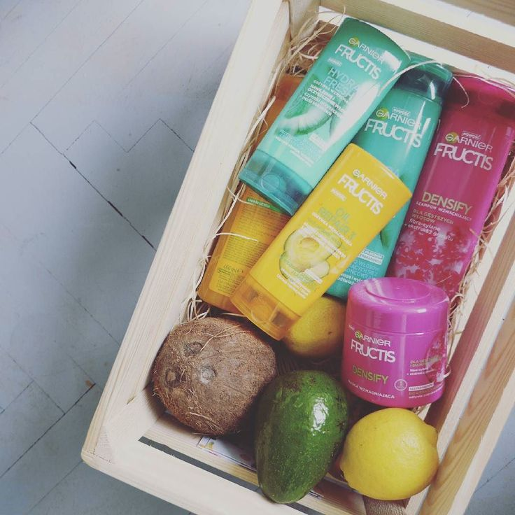 A tutaj właśnie te prezenty od #garnierfructis  odświeżone składy odżywki i maski bardzo przyjemne! #garnier #garnierpolska #fructis #wwwlosypl #napieknewlosy #włosy #wlosy #wlosomaniaczki #wlosomania #wlosomaniaczka #włosomaniaczka #hairpassion #longhair #redhairs #prezent #szampon #odzywka #wlosy