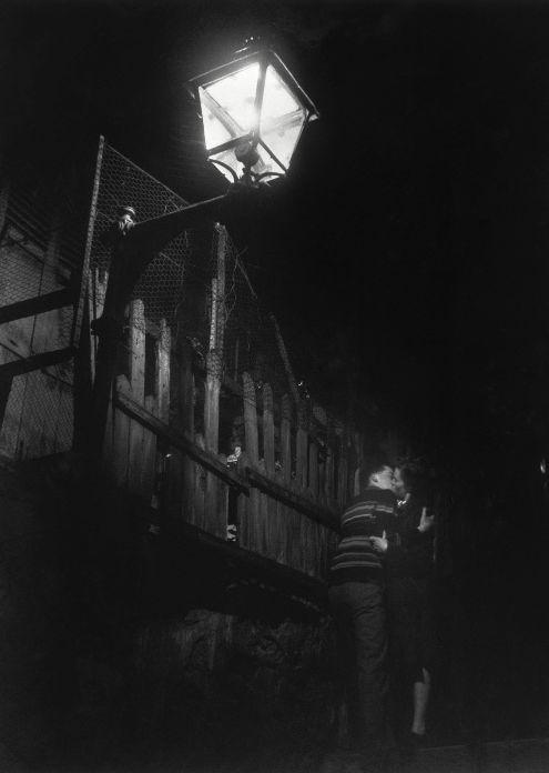 Passage Julien-Lacroix, Paris, 1947, Willy Ronis.
