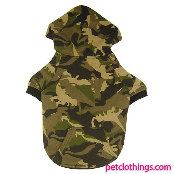 Green Camouflage Sweatshirt for Large Size Dogs - This green camouflage sweatshirt for large dogs is just like he upper part of the suits for men, with adjustable hood with lace and kangaroo pocket